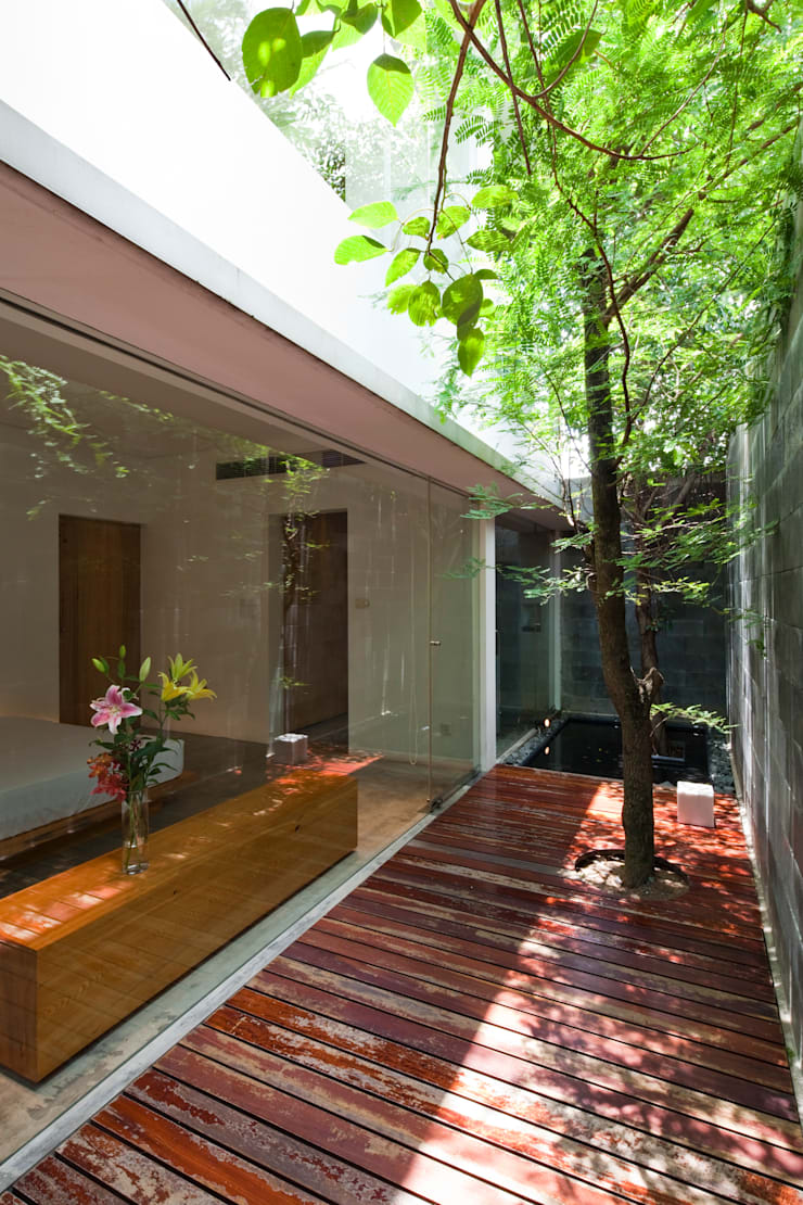 M11 House:  Vườn by a21studĩo