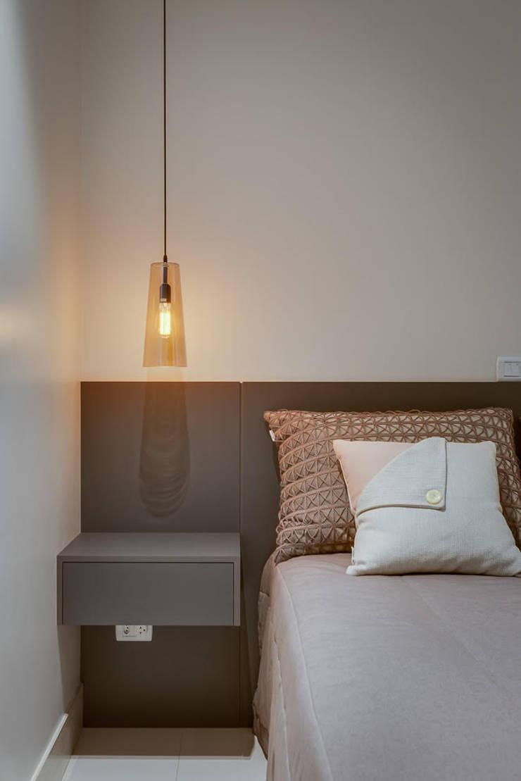 Apartamento Balneário de Caioba: Salas de estar  por Ediane Tramujas Arquitetura,Moderno