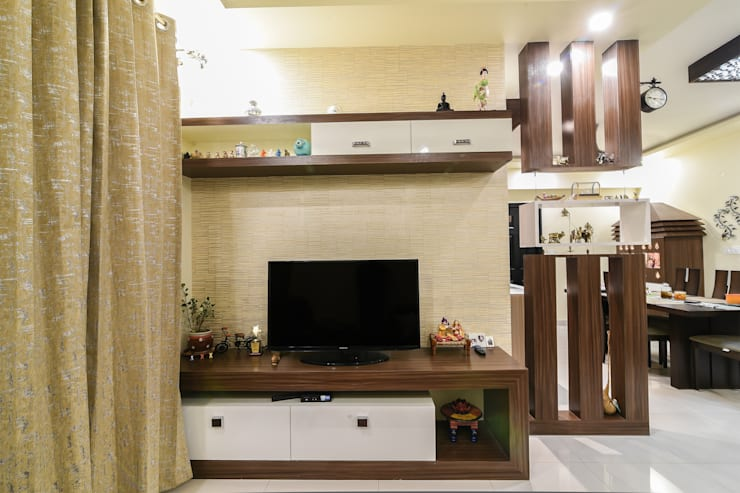 Two BHK—Whitefield:  Living room by Wenzelsmith Interior Design Pvt Ltd,Classic