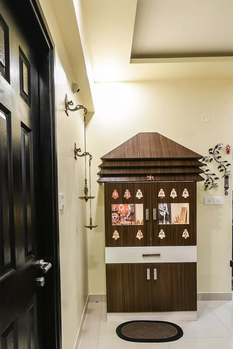 Two BHK—Whitefield:  Doors by Wenzelsmith Interior Design Pvt Ltd