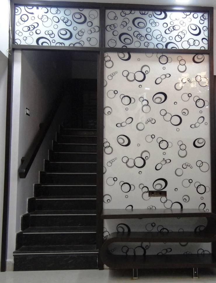 Residential House 3BHK -1600 SQFT:  Balconies, verandas & terraces  by AMIGOS INTERIORS