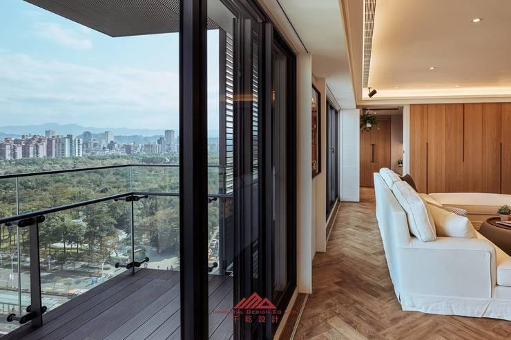 ห้องนั่งเล่น by 千屹設計有限公司