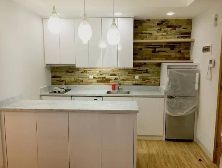 Kitchen set:  Kitchen by aidecore