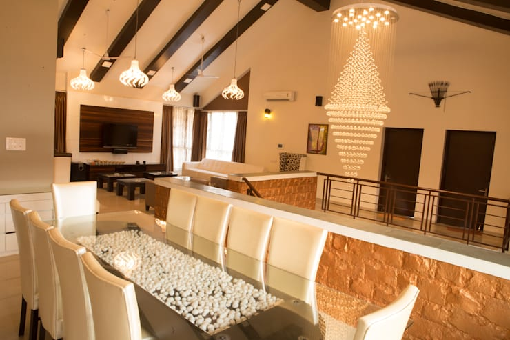 Bungalow- Lavasa:  Dining room by Aesthetica