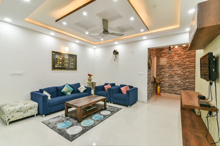Gloryfields Apartment - Bangalore:  Living room by Wenzelsmith Interior Design Pvt Ltd,Classic