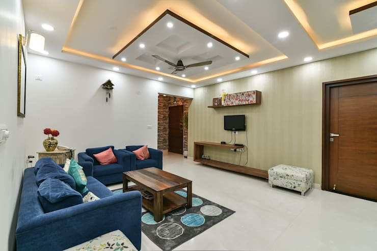 Gloryfields Apartment—Bangalore:  Living room by Wenzelsmith Interior Design Pvt Ltd,Classic