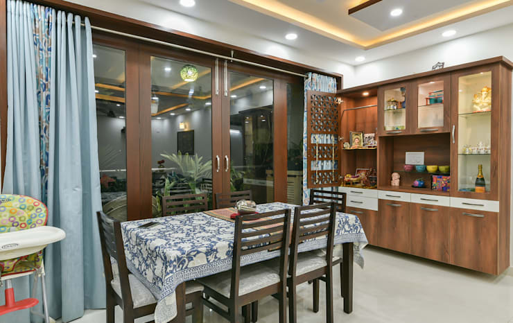 Gloryfields Apartment—Bangalore:  Dining room by Wenzelsmith Interior Design Pvt Ltd,Classic