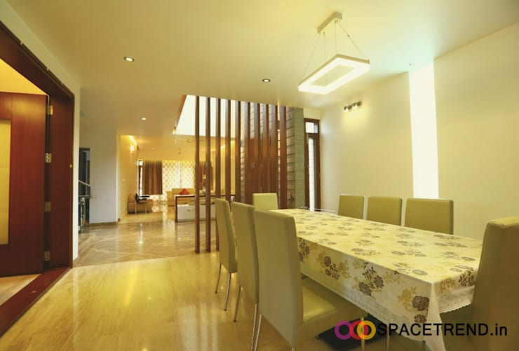 Residence at Harlur Road:  Dining room by Space Trend,Modern