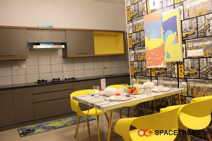 2BHK Flat :  Kitchen by Space Trend,Eclectic