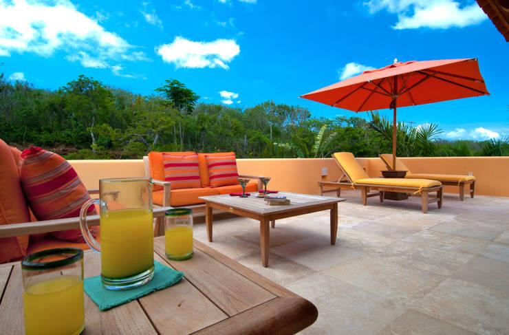 terraza para tomar el sol : Terrazas de estilo  por foto de arquitectura