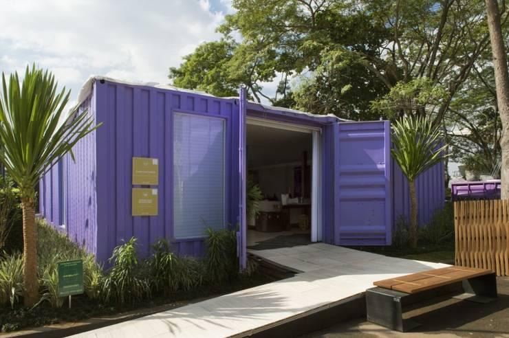 Casa Containes: Casas  por Daniel Kalil Arquitetura
