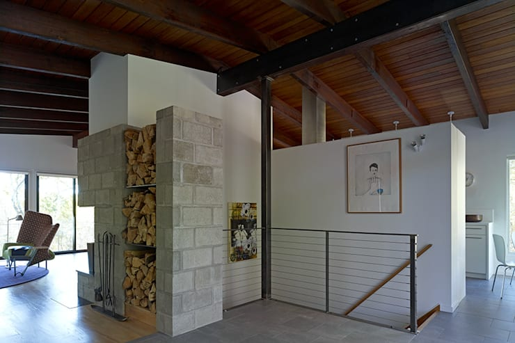 Paradise Lane, Litchfield County, CT:  Corridor & hallway by BILLINKOFF ARCHITECTURE PLLC