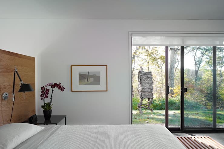 Paradise Lane, Litchfield County, CT:  Bedroom by BILLINKOFF ARCHITECTURE PLLC