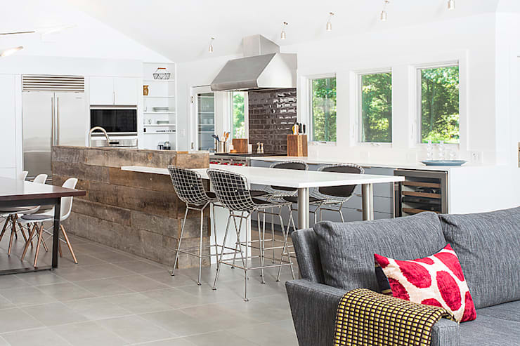 Quogue Weekend House, Quogue, NY: modern Kitchen by BILLINKOFF ARCHITECTURE PLLC
