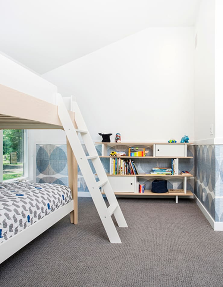Quogue Weekend House, Quogue, NY:  Nursery/kid's room by BILLINKOFF ARCHITECTURE PLLC