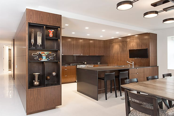 East 69th Street Apartment, NYC:  Kitchen by BILLINKOFF ARCHITECTURE PLLC