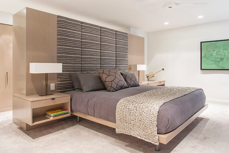 East 69th Street Apartment, NYC:  Bedroom by BILLINKOFF ARCHITECTURE PLLC