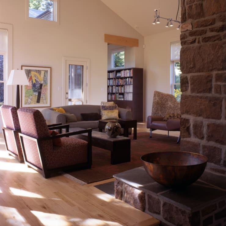 Hayden Lane Residence, Bucks County, PA:  Living room by BILLINKOFF ARCHITECTURE PLLC