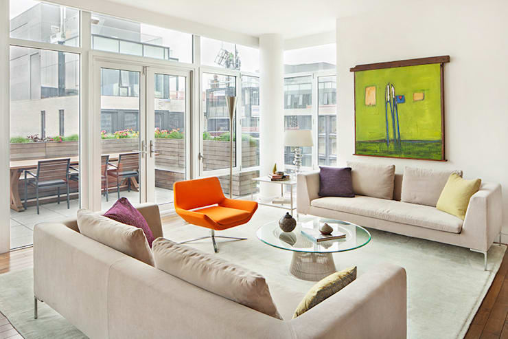 High Line Penthouse, New York, NY:  Living room by BILLINKOFF ARCHITECTURE PLLC