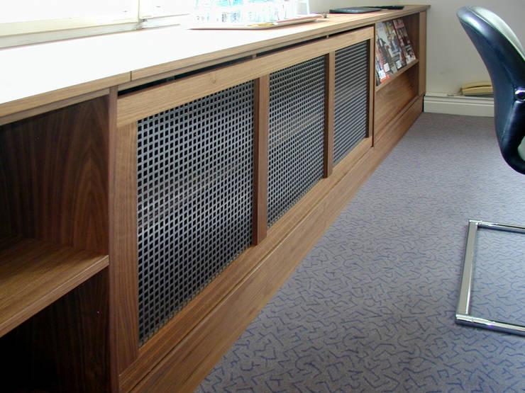 Sideboard mit Heizkörperverkleidung:  Arbeitszimmer von Reinhard Rotthaus