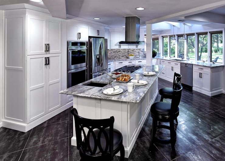 Cocinas de estilo  por Main Line Kitchen Design