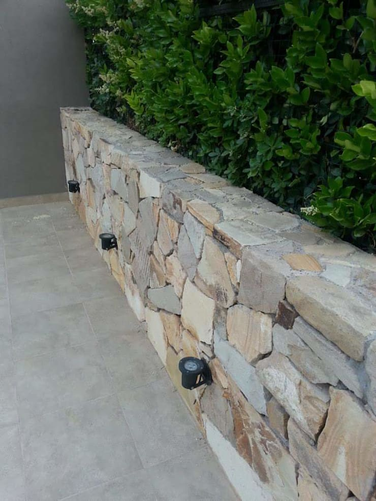 石頭庭院 by Estudio Karduner Arquitectura, 古典風 石器
