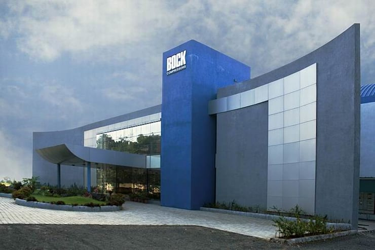 Entrance to Offices:  Office buildings by Studio - Architect Rajesh Patel Consultants P. Ltd ,Modern