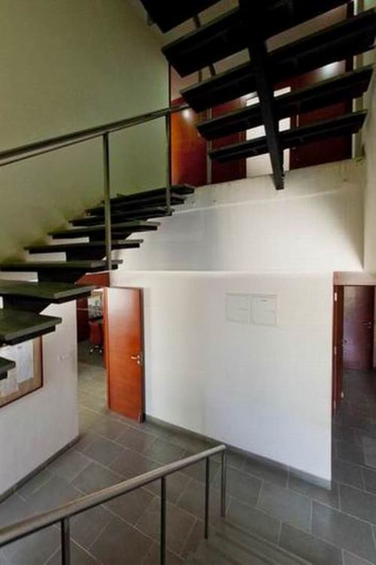 Staircase:  Office buildings by Studio - Architect Rajesh Patel Consultants P. Ltd ,Modern