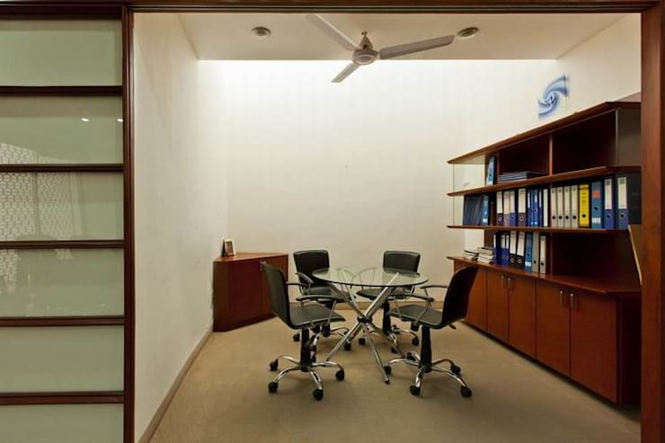 Meeting Space:  Office buildings by Studio - Architect Rajesh Patel Consultants P. Ltd ,Modern