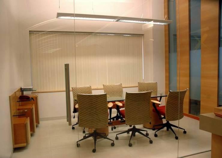 Conference Cubicle:  Commercial Spaces by Studio - Architect Rajesh Patel Consultants P. Ltd