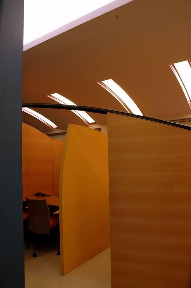 Cubicle:  Commercial Spaces by Studio - Architect Rajesh Patel Consultants P. Ltd