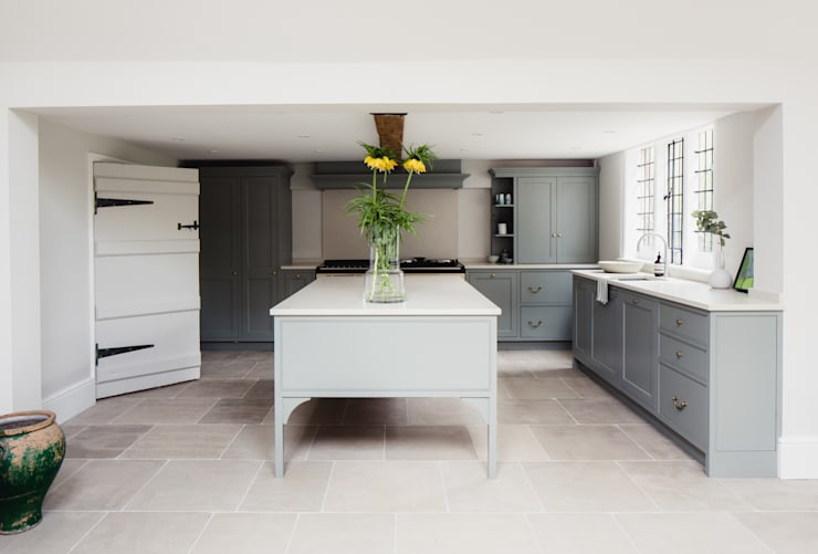 Georgian House Renovation and extension:  Kitchen by HollandGreen