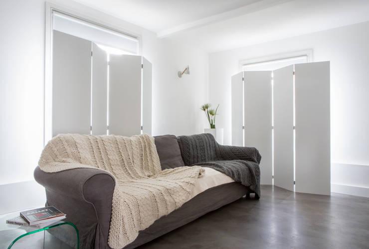 Ruang Keluarga oleh HollandGreen, Modern