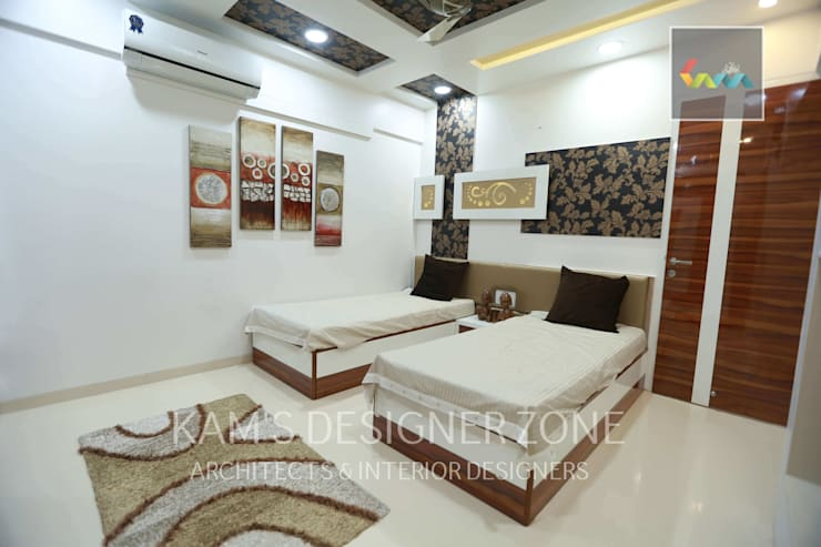 Flat Designed at Aundh of Mr. Satish Tayal:  Teen bedroom by KAM'S DESIGNER ZONE,Modern