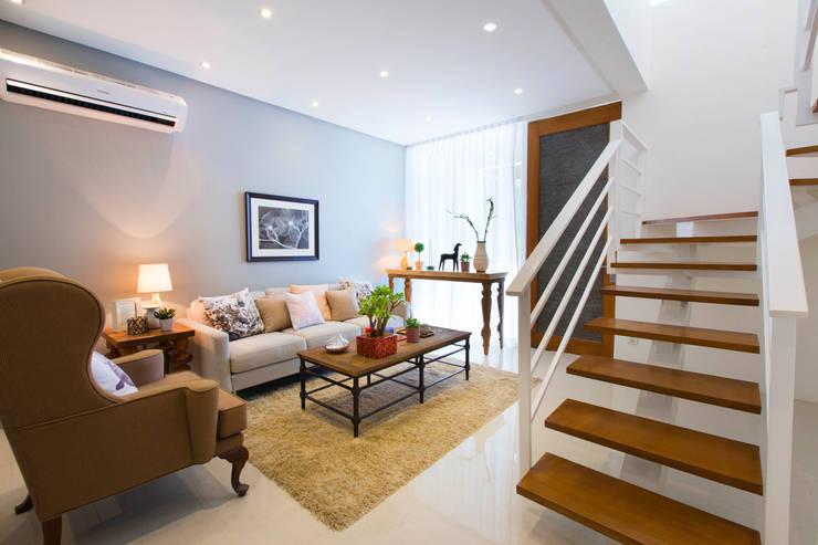 Salas / recibidores de estilo  por Marilen Styles