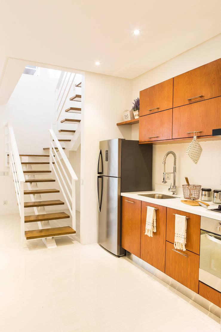 Catya:  Kitchen by Marilen Styles
