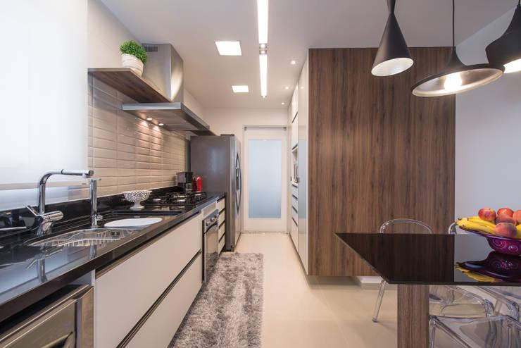 Projekty,  Aneks kuchenny zaprojektowane przez Factus Arquitetura Planejamento Interiores