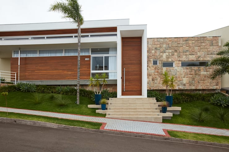 Nhà gia đình by grupo pr | arquitetura e design