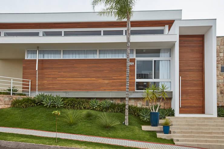 casa ig: Casas familiares  por grupo pr | arquitetura e design