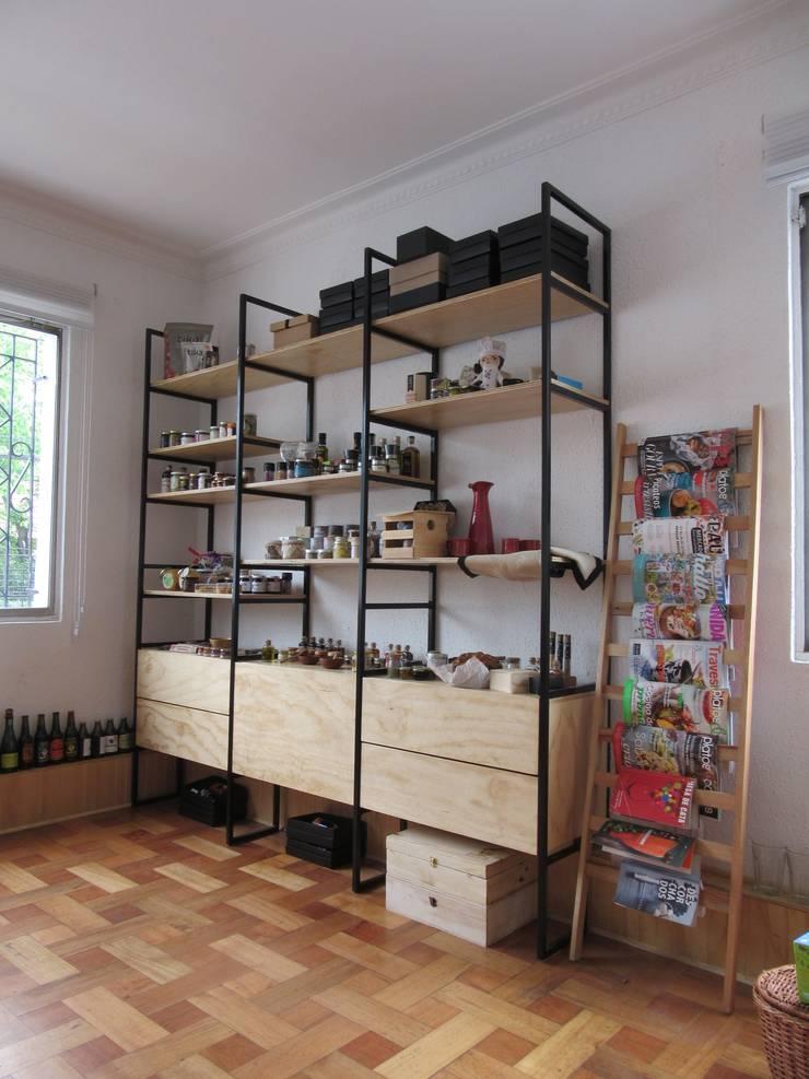 Mobiliario para Oficina / Taller YCOCINA: Oficinas y tiendas de estilo  por DVETA DESIGN