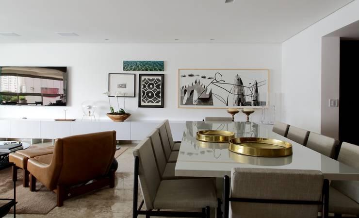 sala: Salas de estar  por arquitetaspe