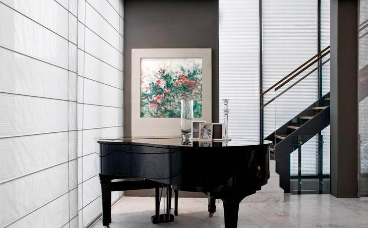 Piano:  Ruang Keluarga by E&U