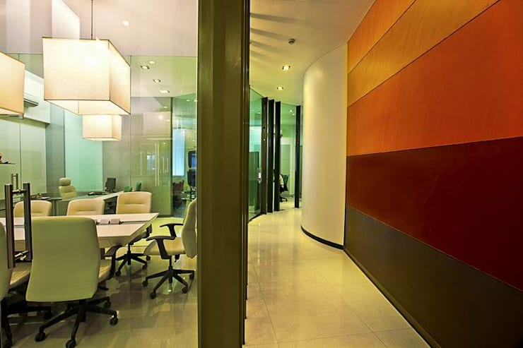 Cabins and Cubicles:  Commercial Spaces by Studio - Architect Rajesh Patel Consultants P. Ltd ,Modern