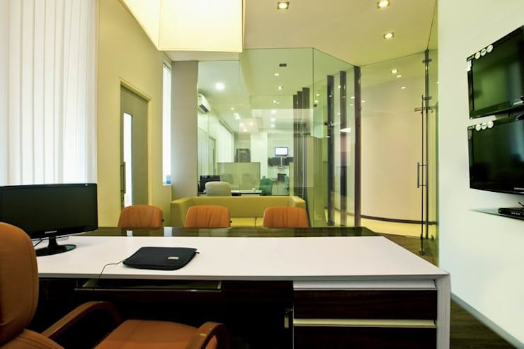 Meeting Room:  Commercial Spaces by Studio - Architect Rajesh Patel Consultants P. Ltd ,Modern
