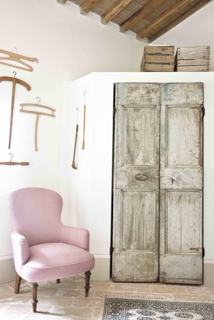 двери в . Автор – Caterina Raddi, Кантри