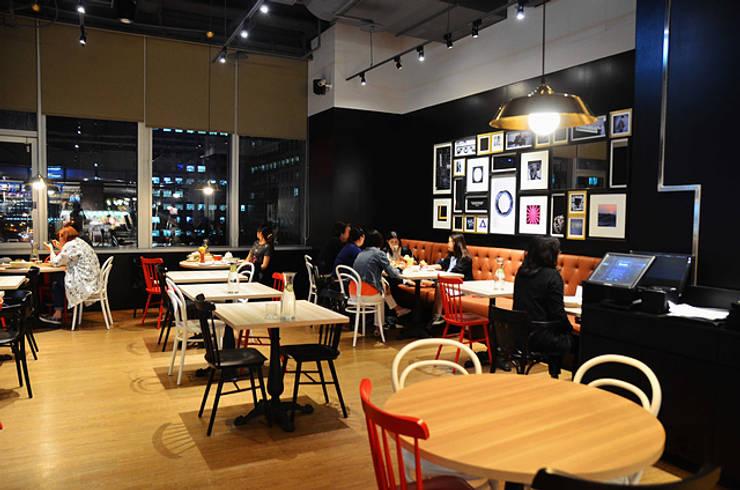 樂昂咖啡 信義店:  餐廳 by DS&BA Design Inc 伊國設計