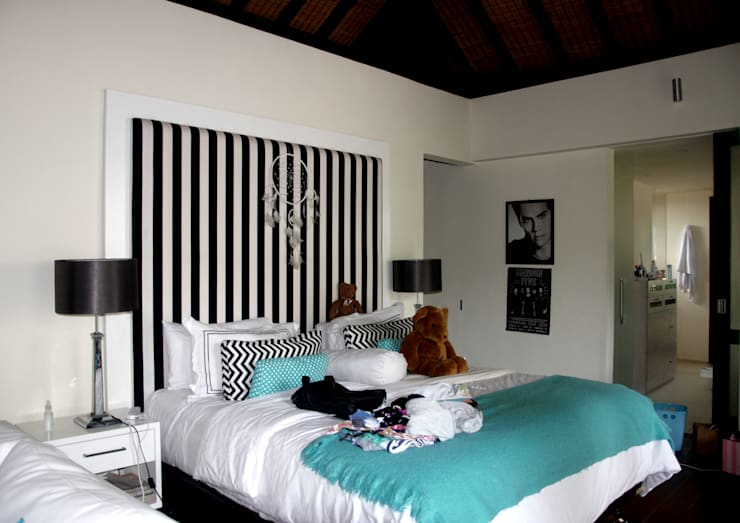 Stripe Headboard:  Bedroom by Credenza Interior Design