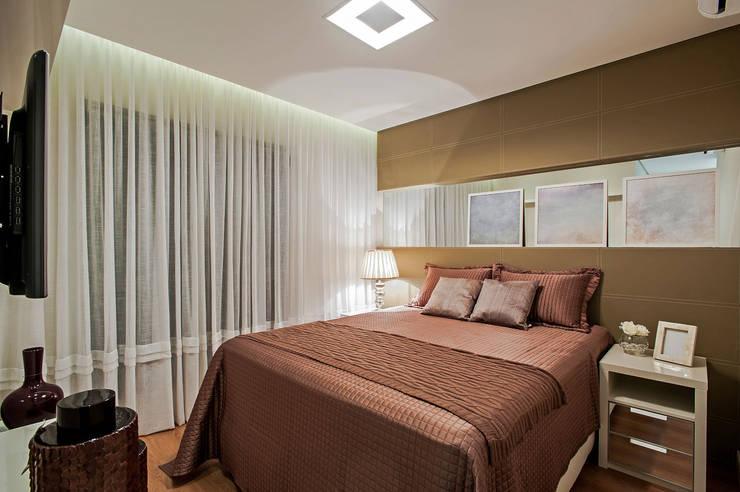 Projekty,  Sypialnia zaprojektowane przez Carolina Kist Arquitetura & Design