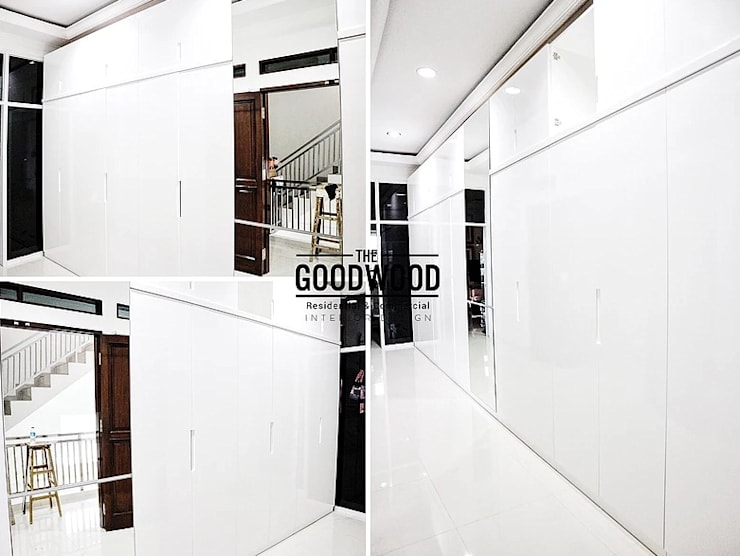 Walk in closet de estilo  por The GoodWood Interior Design