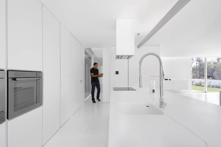 minimalistic Kitchen by PSB arquitectos